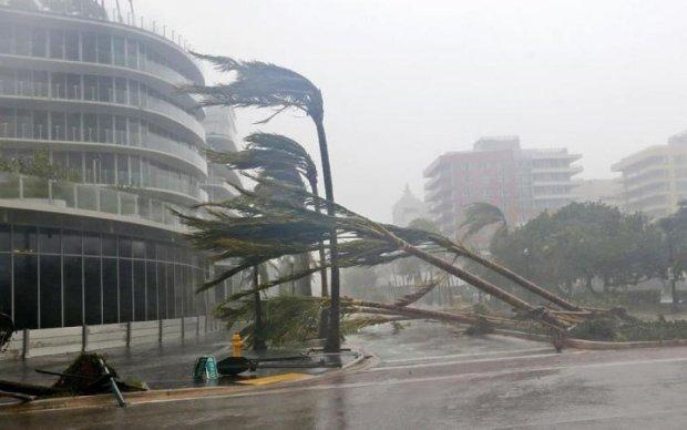Ураган Ирма: в небе над США появилось жутко лицо