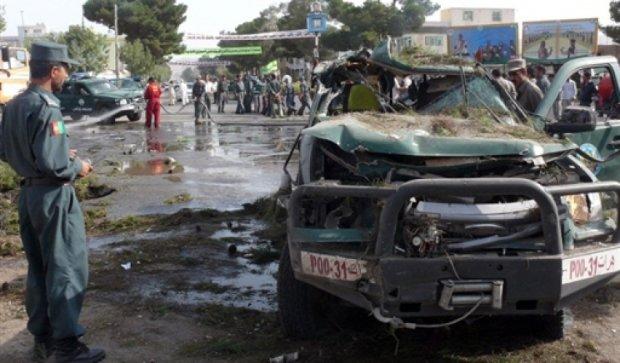 В результате взрыва в Афганистане погибли 13 человек