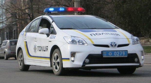 Патрульная полиция при маневре на полной скорости протаранила Камаз