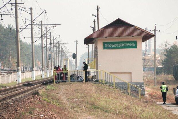 Збирали по всій колії: під Львовом потяг розчавив чоловіка на очах у пасажирів