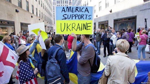 Українські бабусі в США жорстко попустили російського пропагандиста: маленька дірочка