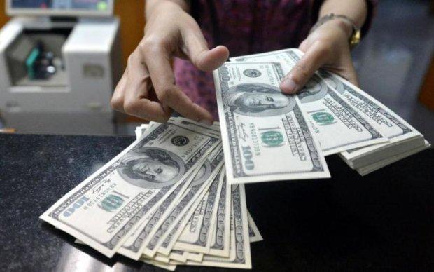 """Подросток заработал миллионы на """"обмене валют"""""""