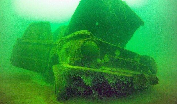 Львівські дайвери-екстремали подорожували по дну озера (фото)