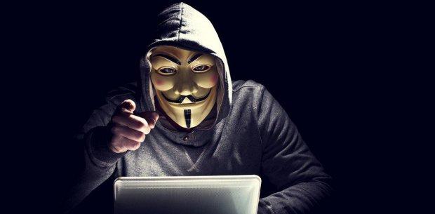 Заразил тысячи, убытков - на миллионы: схвачен опаснейший хакер, украинцам советуют проверить свои компьютеры