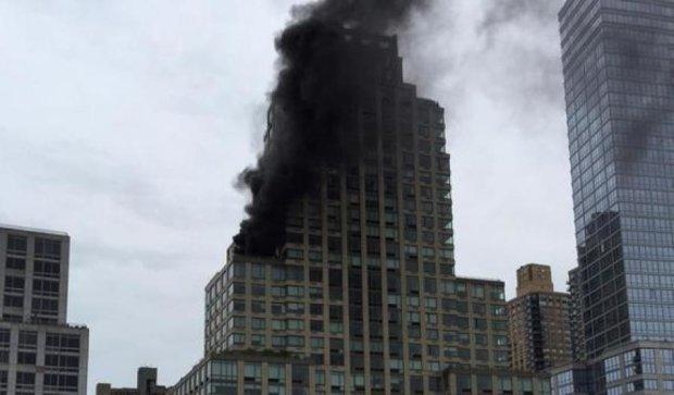 У Нью-Йорку загорівся хмарочос (відео)