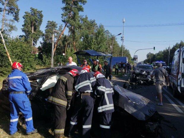 Три трупи, шість постраждалих: шокуюче ДТП під Києвом