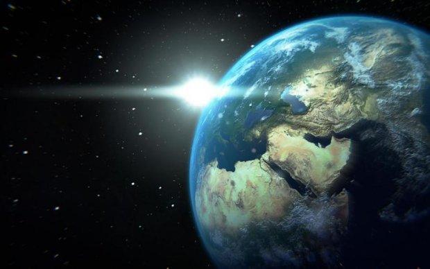Вчені знайшли три нові планети, схожі на Землю