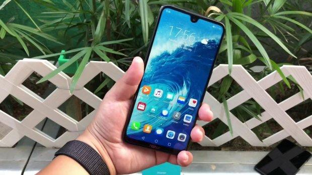 Honor 8X Max: в мережі назвали ціну найбільшого смартфона