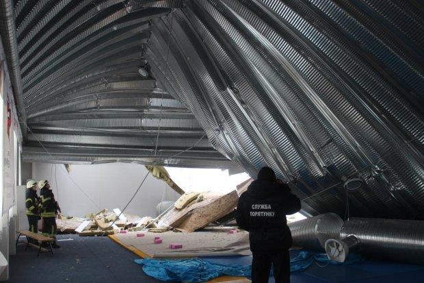 У Кривому Розі обвалився дах кінотеатру: люди дивом уникнули смерті