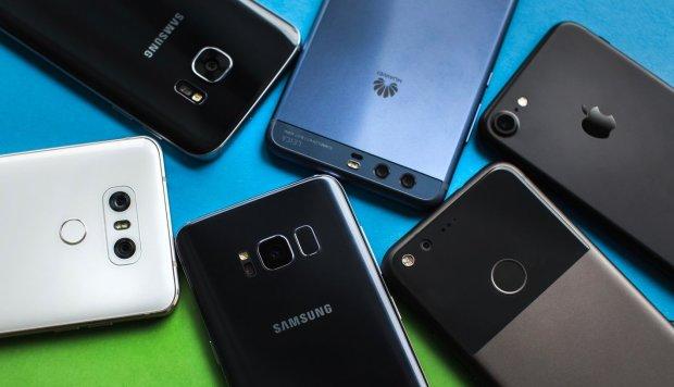 Какой смартфон признан наилучшим - опрос