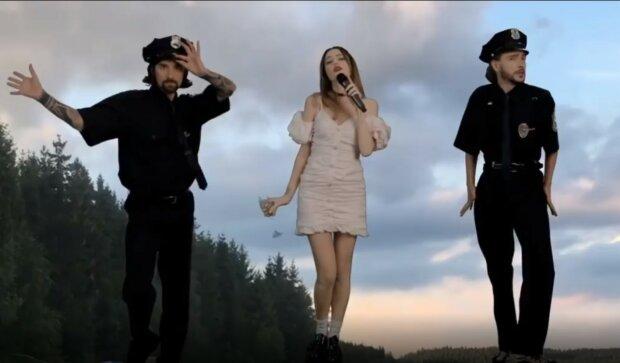 Надя Дорофеева, скриншот из видео