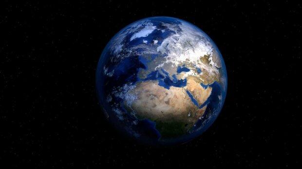 """Карантин не порушує - гігантський астероїд в """"масці"""" націлився на Землю, неймовірний кадр"""