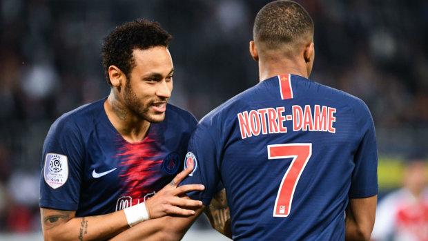 ПСЖ вышел на матч в необычных футболках и стал чемпионом Франции: видео