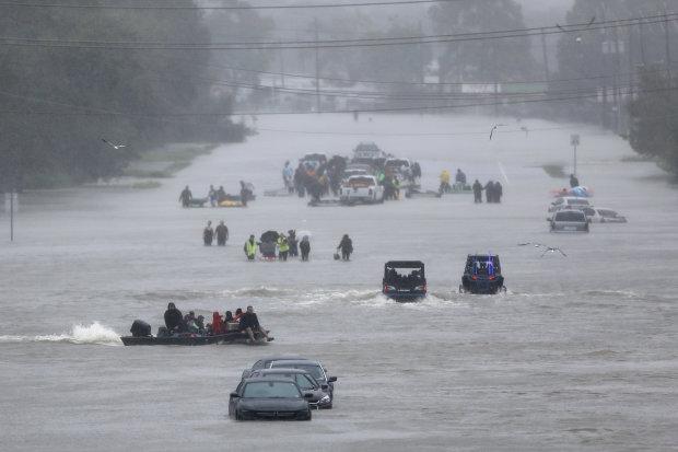 Смертельна небезпека: мільйон людей терміново евакуюють