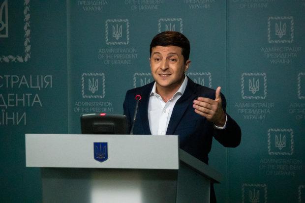 """Зеленський став Добкіним і мемом на важливому засіданні: """"Вова, притримай зіниці"""""""