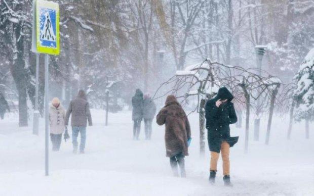 Снежный армагеддон накрыл страну: украинцам дали важные советы