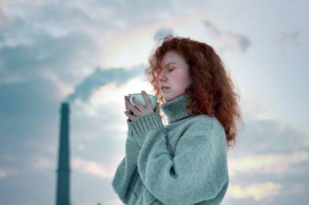 Согреют в холод и уберут лишнее: диетологи назвали лучшие напитки для похудения