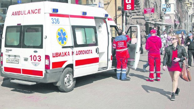 Поход в ресторан обернулся жуткой трагедией: 20-летняя украинка умерла просто за столом, медики не успели ничего сделать