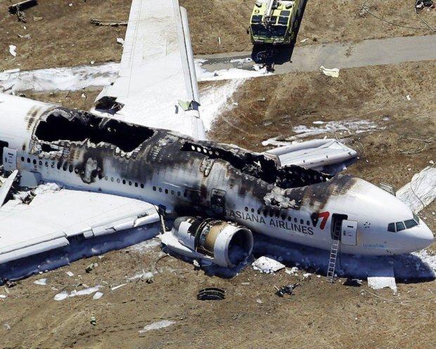 Літак звалився просто на голови городян: житлові квартали у вогні, багато поранених і загиблих, в шоці навіть рятувальники