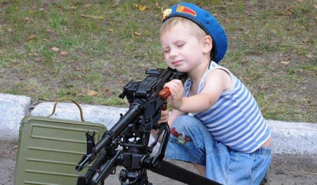 Десантниками народжуються: у Києві святкують день ВДВ (фото, відео)