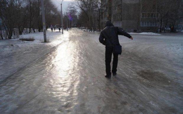 Біда не приходить одна: негода виснажила запаси України