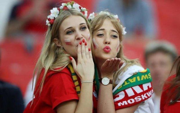 У ФІФА побачили сексизм: відіграються на спокусливих красунях