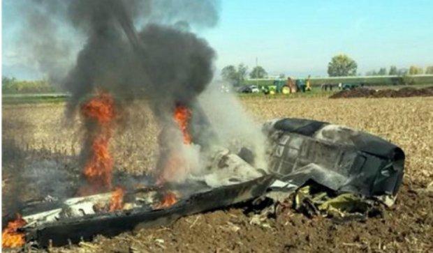 В Италии взорвался экспериментальный самолет: погибли двое (фото)