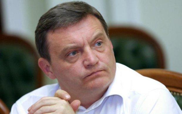 Введение военного положения на Донбассе: замминистра бьет тревогу