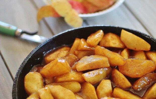 Яблука із заварним кремом: рецепт, який сподобається кожному