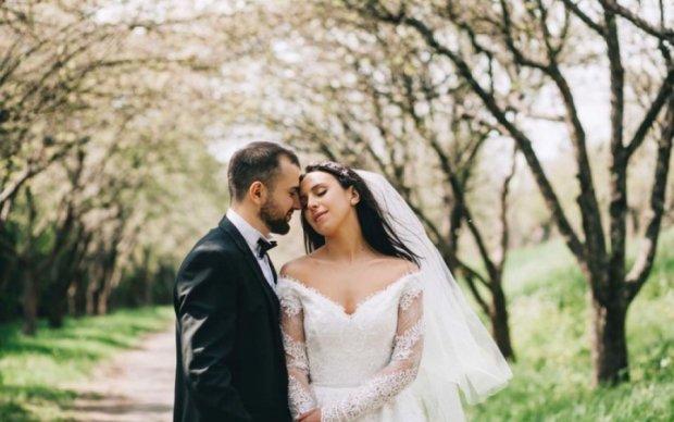 Весільну сукню  Джамали пошили без жодної примірки (відео)