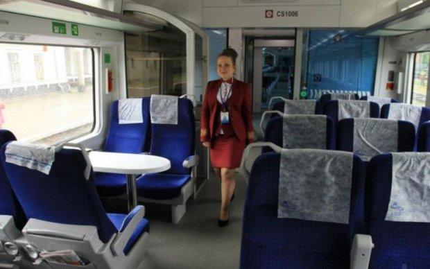 Для панів і холопів: Укрзалізниця розділить поїзди