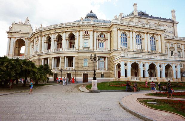 В Одесі Оперний театр змінився до невпізнанності: дух захоплює від краси