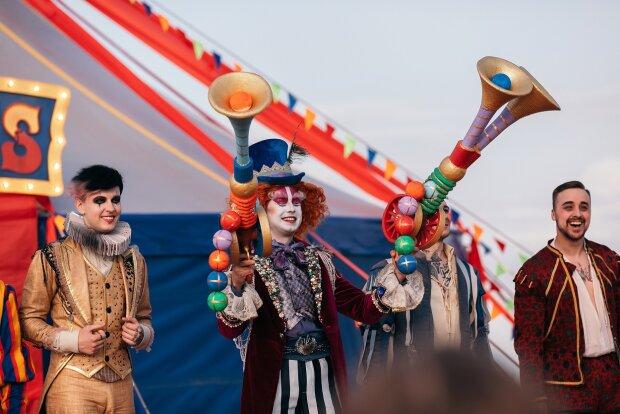 Тарас Тополя и участники Magic Five, фото: пресс-служба группы