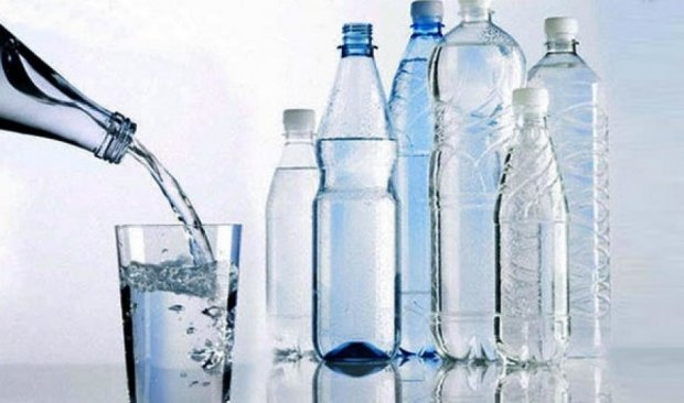 При использовании пластиковых бутылок в США будут штрафовать на $ 1000