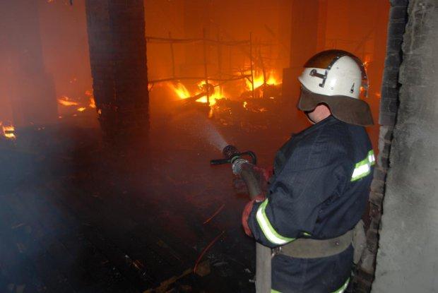Згоріло вщент: в Росії підпалили монастир з царською сім'єю