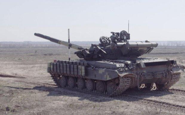 Дрон заснял танковые учения на Харьковщине