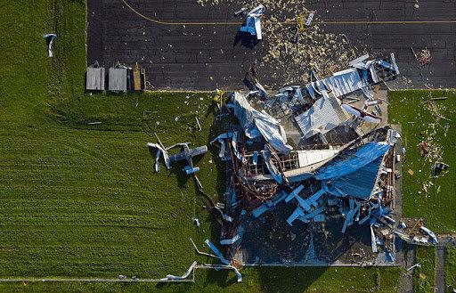 """Разрушительный ураган """"Лаура"""" в США, фото ВВС"""