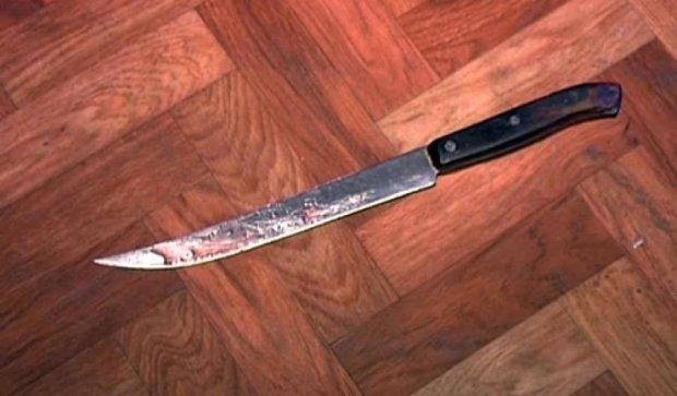 В Мариуполе мужчина ударил друга ножом из-за разных музыкальных вкусов