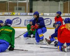 українські хокеїстки