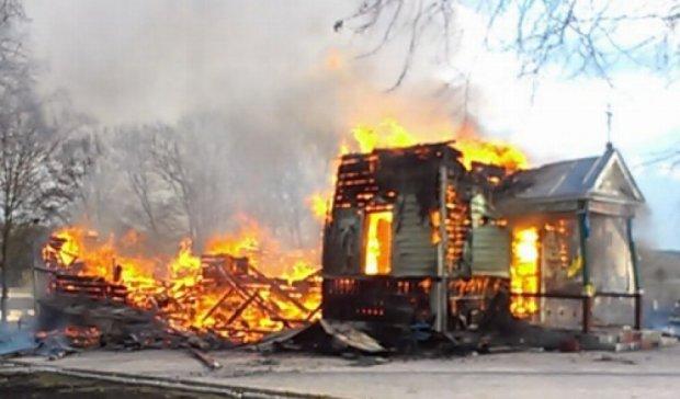 На окупованій Донеччині згоріла церква