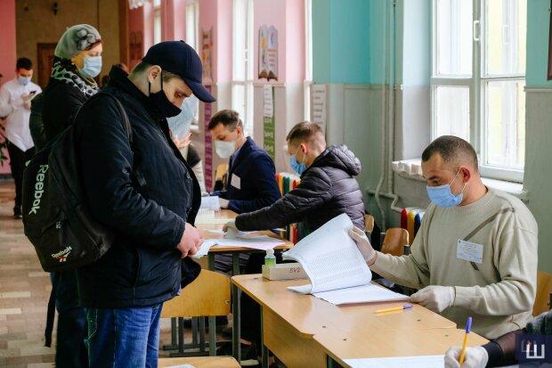 """Выборы в Черновицкой области: Кличук и Михайлишин встретятся во втором """"раунде"""""""