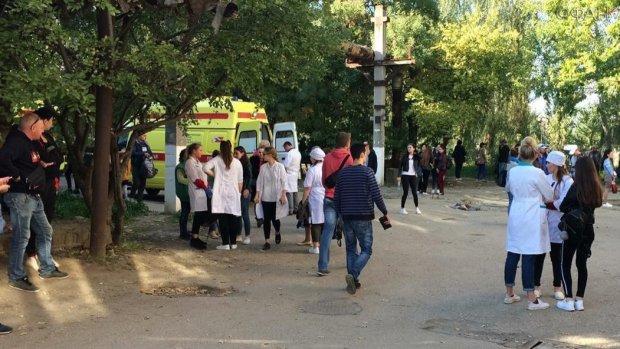 Криваве побоїще у Керчі: копи опитали батьків убивці, мотиви шокують