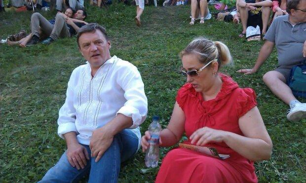 """Жена задержанного Грымчака пожаловалась на бедность: """"У нас даже машины нет, как мне кормить детей"""""""