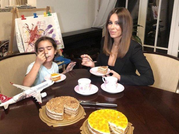 Ані Лорак разом з донькою показали, як вміють веселитися без Мурата: ваші гени, це відразу видно