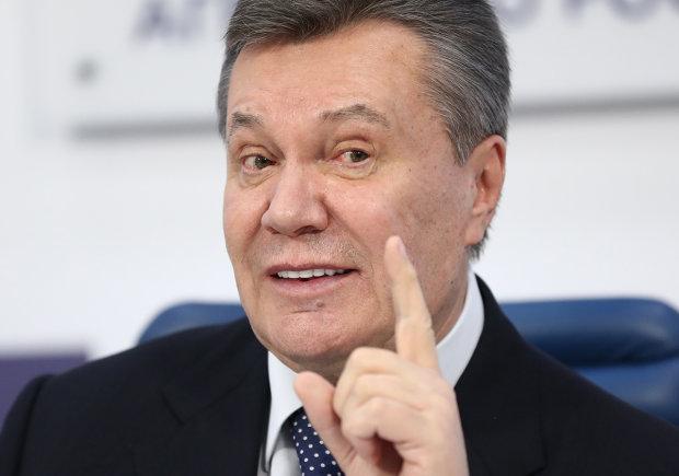 Януковича порезали в России