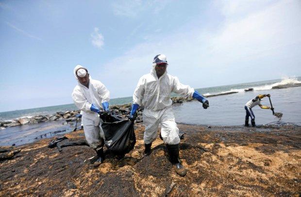 Новый остров покрыт таинственной липкой грязью: ученые в недоумении