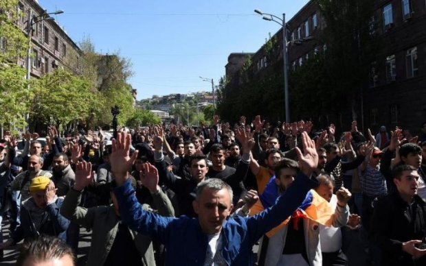 Майдан у Вірменії: десятки протестуючих потрапили за ґрати