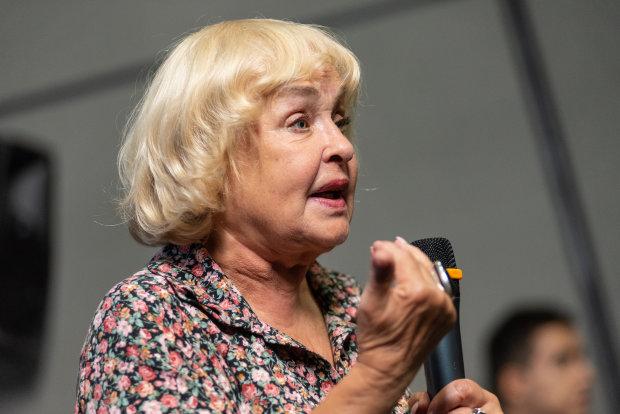 """Ада Роговцева емоційно звернулася до Зеленського: """"Володя, все втратиш"""""""