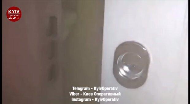 """Киевскую высотку залило кипятком в лютые морозы - батареи """"умерли"""", а первый этаж """"сварился"""""""