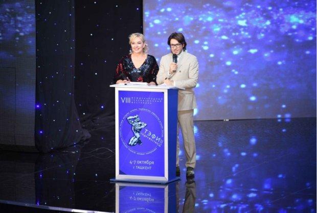 Из рук пропагандистов: скандальный украинский телеканал получил премию в России
